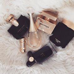 "For the love of #Perfumes. Dear men I know #TOMFORDNOIR is sold ""for women"" BUT........ #BlackAndGold ✨♠️✨ #Bvlgari #JasminNoir ✨ #Dior #JaDore ✨ #GiorgioArmani #Si ✨ #TomFord #Noir ✨ #DolceAndGabbana #TheOne ✨ #Lancôme #CafeParisien 💄 #Nude #Lipstick ✨ #Dior #Diorific 💄 #037 #Perfume"