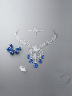 Drawing of the Bleu Absolu transformable necklace in white gold, round, pear-shaped, briolette-cut and baguette-cut diamonds, one pear-shaped DIF diamond of 14.22 karats and five Kashmiri sapphire drops for a total of 85.86 karats from the Caspian Sea chapter