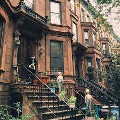 Halloween-ready (sort of) on this first day of autumn  . . . #vsco #vscocam #autumn #nbc4ny #abc7ny #nature #morningslikethese #NewYorkCity #thatsdarling #exploreeverything #NYC #NewYork #huffpostgram #made_in_ny #rsa_vsco #tv_living #transfer_visions #aov #artofvisuals #architecture #exploremore #seeyourcity #thisisnewyorkcity #newyork_instagram #