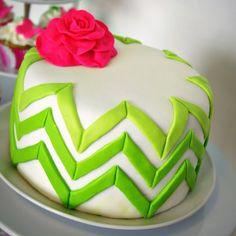 Cake Decorating - Ombre Chevron Cake Tutorial