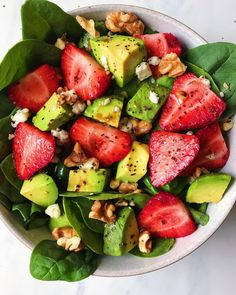 Avocado Strawberry Spinach Salad - The Dish On Healthy - Avocado Strawberry Spi. - Avocado Strawberry Spinach Salad – The Dish On Healthy – Avocado Strawberry Spinach Salad - Avocado Recipes, Healthy Salad Recipes, Healthy Snacks, Vegetarian Recipes, Healthy Eating, Spinach Salad Recipes, Detox Recipes, Delicious Healthy Food, Simple Healthy Meals