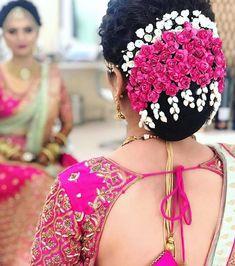 Gorgeous Bridal Bun Hairstyles for Every Length - Kurti Blouse Indian Wedding Mehndi, Bridal Hairstyle Indian Wedding, Bridal Hair Buns, Bridal Hairdo, Hairdo Wedding, Indian Bridal Hairstyles, Wedding Hair Flowers, Bride Hairstyles, Flowers In Hair