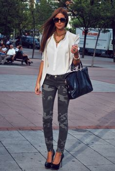 Street style - Green (military colour ) Also Trendy This Fall