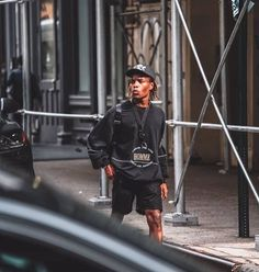 243 vind-ik-leuks, 2 reacties - Ian Connor ⚡ (@ianconnorphotos) op Instagram: 'Strolling @ianconnorsrevenge ⚡ #ianconnor #borninthefuckinghell' Street Look, Men Street, Street Wear, Street Style, Fashion Killa, Mens Fashion, Gentleman Style, Contemporary Fashion, Short Outfits