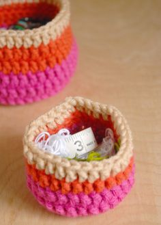 Crochet Nesting Cups pattern and tutorial