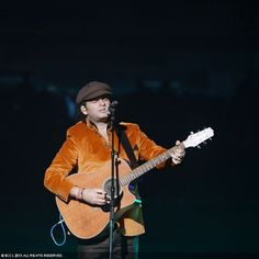 'King' of romantic ballads, singer Mohit Chauhan performs live during TOIFA Musical Extravaganza, held at the Pacific Coliseum in Vancouver, Canada — with Mohit Chauhan.