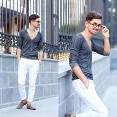 Blog post: themysteriousgirl.ro/2015/09/basic-grey-white/  white pants chinos trousers grey sweater blouse alcott zara frank wright slippers rounded clear lens glasses wooedn watch konifer
