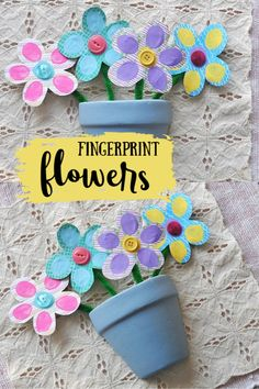 This bouquet of fingerprint flowers makes the sweetest Mother's Day or grandparent gift. Fingerprint crafts are the perfect keepsake from your little ones! Homemade Mothers Day Gifts, Mothers Day Crafts For Kids, Spring Crafts For Kids, Craft Projects For Kids, Easy Crafts For Kids, Craft Activities For Kids, Crafty Projects, Preschool Crafts, Homemade Gifts