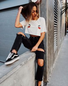 45 Gorgeous Street Style Summer Outfits To Try Now The best collection of Gorgeous Street Style Summer Outfits To Try Now School Fashion, Teen Fashion, Fashion Outfits, Workwear Fashion, Fashion Blogs, Fashion Trends, Spring Fashion, Style Fashion, Womens Fashion