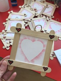 "Newest Snap Shots mothers day Crafts for Kids Style Present keeping up with the child declare: ""I'm just bored."" Too often times to get sure. Kids Crafts, Mothers Day Crafts For Kids, Valentine Crafts For Kids, Mothers Day Cards, Preschool Crafts, Diy And Crafts, Valentine Ideas, Easy Crafts, Popsicle Stick Crafts"