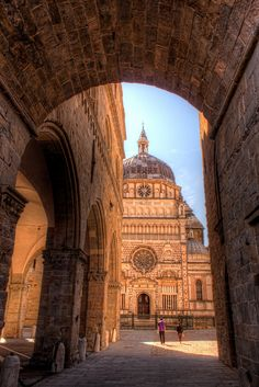 Basilica of Santa Maria Maggiore in Bergamo by Nico Trinkhaus. The pretty side of bergamo. Places Around The World, Oh The Places You'll Go, Places To Travel, Places To Visit, Travel Destinations, Turin, Santa Maria Maggiore, Sites Touristiques, Italy Landscape