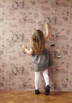 Deixe o quarto das crianças mais lúdico com um papel de parede magnético, que permite criar histórias com imãs. Saiba mais: http://www.webcasas.com.br/revista/materia/decoracao/357/conheca-os-papeis-de-parede-magneticos/