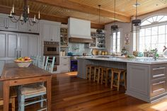 John Besh's Slidell LA kitchen AHHHHH I wish! And I'd love for John Besh to cook for me in it! Yummmm