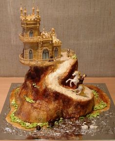 Fairy Tale Castle: 15 Awesome Wedding Cakes | Felicity Huffman's What The Flicka? #cake #ideas #dessert