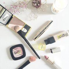 Tarea de domingo: aprender a utilizar la técnica contouring 24h de @lorealmakeup para marcarme unos #selfiesinfalibles#sunday #dimanche #domingo #loreal #contouring #makeup #sculpt #lashes #rose #lipstick #beauty by cristina_pina