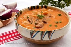 CIORBA ARDELENEASCA DE FASOLE CU AFUMATURA SI TARHON | Diva in bucatarie Jacque Pepin, Romanian Food, Cheeseburger Chowder, Thai Red Curry, Good Food, Brunch, Goodies, Food And Drink, Cooking