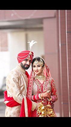 Hindu Wedding Photos, Indian Wedding Poses, Indian Wedding Couple Photography, Indian Bridal Photos, Sikh Wedding, Bride Photography, Photography Brochure, Photography Camera, Punjabi Wedding Couple