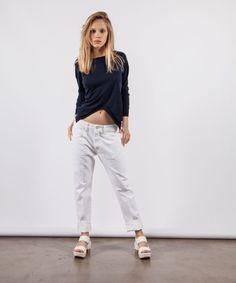 Maglia Liis Japan  Jeans People sandalo Roberto del Carlo   disponibile su www.newtonstore.it