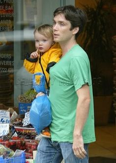 Actor Cillian Murphy, and his son Malachy, 19 months, were spotted out in London on Monday. Cillian Murphy Kids, Cillian Murphy Peaky Blinders, Daddy And Son, Irish Boys, Vogue, Cute Funny Babies, Hot Boys, Celebrity Crush, Film