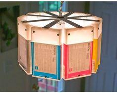 lampara reciclada con cartuchos de tinta