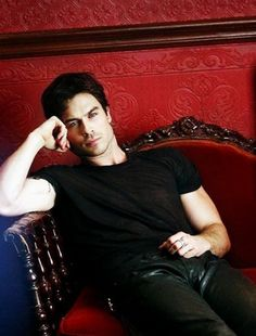 Ian Somerhalder - the vampire diaries - season 5 - Damon Salvatore