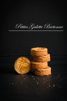 I'm totally in love with these classic & elegant French shortbreads.   It is originated from Bretagne (Brittany) in France.   This i...