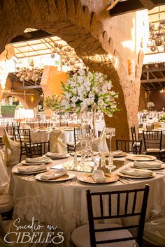Aparta tu fecha para el 2020 y disfruta de un majestuoso lugar de ensueño Informes:688-05-80 Wedding Decorations, Table Decorations, Boutique Bows, Opening Day, Table Settings, Sunday, Dressing, Weddings, Beautiful