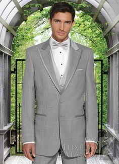 Looking for the latest style in tuxedos for Look no further, Grey Tuxedos are huge this year! Tuxedo Coat, Grey Tuxedo, Mens Dress Outfits, Prom Outfits, Groomsmen Suits, Groom Attire, Tuxedo Styles, Daytime Wedding, Tuxedo Wedding