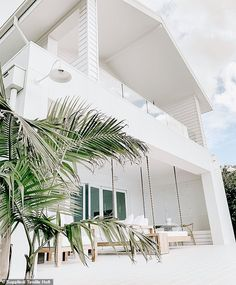 Home goals! Living here would be a dream! Looks so peaceful and cozy. Save this pin as inspiration for your future house 😍 modern home interior design Architecture Renovation, Residential Architecture, Pavilion Architecture, Bali, Three Birds Renovations, Hamptons Style Homes, Hamptons House, Dreams Resorts, Dream House Exterior