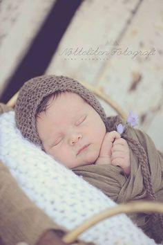Brown baby bonnet