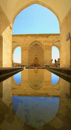 Zinciriye Medresesi / Mardin  ön tarafta oturduğunuzda suya düşen resminizide çekebilirsiniz