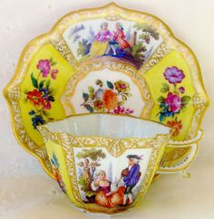 Meissen - Teacup and Saucer Vintage Cups, Vintage Tea, Chocolate Cafe, Yellow Tea Cups, Teapots And Cups, Teacups, China Tea Sets, My Cup Of Tea, Mellow Yellow