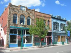 Small towns to visit in Utah, be sure and check the comments for additional towns.