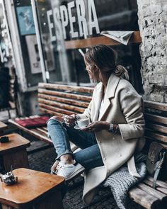 Mikuta - Designers Remix coat and coffee People Drinking Coffee, Swedish Style, Foto Instagram, Instagram Lifestyle, Instagram Ideas, Autumn Winter Fashion, Personal Style, Fashion Photography, Ootd
