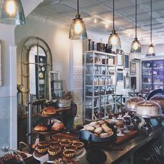 joyceinparis: Dreamed of heaven and woke in paradise ☕️ #cake #bakery #toronto (à Bobbette & Belle)