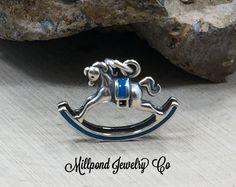 Explora los artículos únicos de MillpondJewelryCo en Etsy: el sitio global para comprar y vender mercancías hechas a mano, vintage y con creatividad.