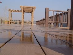 Corrosion-resistant balcony with wood flooring