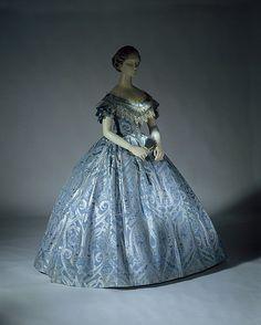 Exemples de robe du Second Empire (en cours de construction) ...