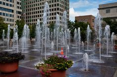Memphis, TN play in the fountains. Check! Several times :)