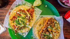 From Tex Mex at the border to high-end authentic Mexican food in New York, these are the best Mexican restaurants in America for tacos, tamales, mole and Mexican Food Los Angeles, Los Angeles Food, Mexican Restaurants In Chicago, Chicago Restaurants, Mexican Kitchen Decor, Mexican Kitchens, Food Places, Best Places To Eat, Guacamole
