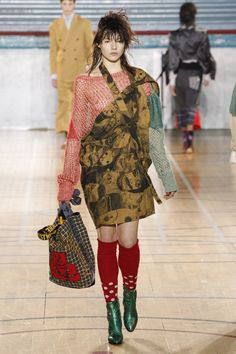 See the complete Vivienne Westwood Fall 2017 Menswear collection.