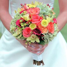 Editors' Picks: 30 Best Bouquets: Soothing Arrangement Soothing Arrangement A combination of light green, peach, and yellow makes this bouquet a treat for the eyes. Celadon hydrangea clusters and hypericum berries are combined with soft yellow orchids, chrysanthemums, and peach-pink roses. -- Photographer Eric Walker, Silver Image Studios; Floral designer Dawn Green