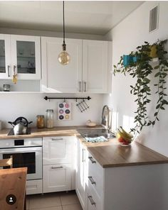 new home decoration ideas Small Apartment Design, Rustic Apartment, Apartment Kitchen, Home Decor Kitchen, Kitchen Interior, Home Kitchens, Kitchen Cabinet Remodel, Scandinavian Kitchen, Home And Deco