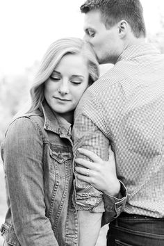 Apple Orchard Fall Engagement Photos Outfits Ideas Fort Way Winter Engagement Pictures, Country Engagement Pictures, Engagement Photo Outfits, Engagement Photo Inspiration, Engagement Couple, Engagement Session, Fall Engagment Photos, Fall Couple Pictures, Beach Engagement