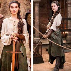 Selena figurino deus salve o rei - Frauen Haar Modelle Medieval Costume, Medieval Dress, Medieval Fantasy, Medieval Outfits, Renaissance Fair Costume, Medieval Fashion, Medieval Clothing, Gypsy Clothing, Moda Medieval