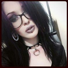 Fille Gangsta, Black Goth, Emo Scene, Dark Fashion, Most Favorite, Goth Girls, Amazing Women, Smoking, Piercing