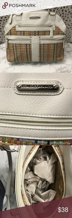 NWOT- Stone Mountain USA Handbag This is a beautiful and elegant handbag that comes in new condition. Such an versatile addition to your collection if you are a Stone Mountain lover. Stone Mountain Accessories Bags