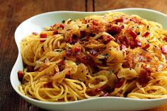 Spaghetti con speck e pangrattato