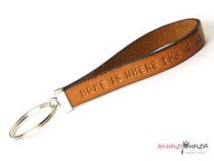 Schlüsselbänder - Schlüsselanhänger Leder Wunschtext Art. 14 - ein Designerstück von munzipunza bei DaWanda