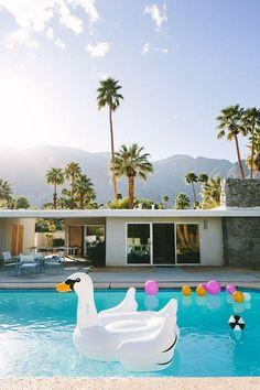 Palm Springs #poolside #california